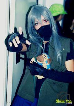Hatake Kakashi - Genderbend Cosplay - Naruto Shippuden - #genderbend #cosplay #naruto #shippuuden #costume #pakkun #redeyes #sharingan #photo