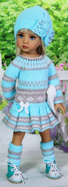 Crochet Doll Clothes, Doll Clothes Patterns, Clothing Patterns, Knit Crochet, Crochet Hats, Sasha Doll, Doll Costume, Little Darlings, Beautiful Dolls
