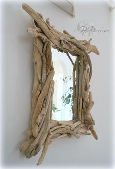 Miroir en bois flotté .