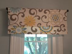 15 Minute Window Valance (and DIY coordinating accessories) @HGTV  Pom Pon Play Spa fabric #waverly