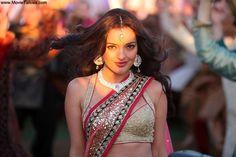 Who is Kristina Akheeva? - Yahoo! Movies India OMG