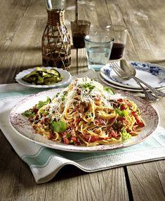 Unser beliebtes Rezept für Spaghetti mit No-cook-Tomatensoße und mehr als 55.000 weitere kostenlose Rezepte auf LECKER.de.