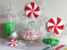 DIY Tutorial: DIY Christmas Decorations / How To Make Christmas Candy Decorations - Bead&Cord Easy Christmas Ornaments, Diy Christmas Decorations Easy, Modern Christmas Decor, Holiday Crafts For Kids, Noel Christmas, Christmas Centerpieces, Christmas Candy, Diy Christmas Gifts, Simple Christmas