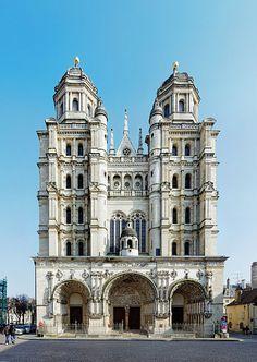 église Saint-Michel (Dijon) - Bourgogne Architecture Baroque, Renaissance Architecture, Sacred Architecture, Religious Architecture, Church Architecture, Unique Architecture, French Cathedrals, Architecture Religieuse, Houses Of The Holy