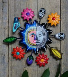 Mexican Crafts, Mexican Folk Art, Wall Ornaments, Handmade Ornaments, Polymer Clay Crafts, Air Dry Clay, Day Of The Dead, Tatting, Arts And Crafts