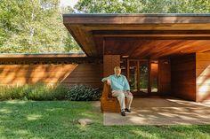 Frank Lloyd Wright Pope Leighey house - entrance