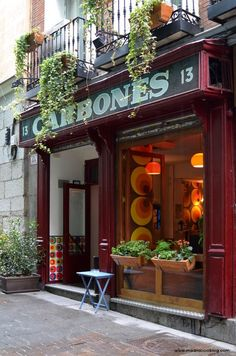 Carbones restaurant in Madrid Best Hotels In Madrid, Madrid Restaurants, Bar Madrid, Foto Madrid, Madrid Travel, Barcelona Travel, Hot Blue, Cool Restaurant, Restaurant Signs
