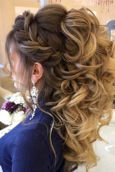 All Time Best Unique Ideas: Women Hairstyles Ideas Bangs women hairstyles long curls.Blunt Fringe Hairstyles women hairstyles with bangs popular haircuts. Prom Hairstyles For Long Hair, Elegant Hairstyles, Hairstyles With Bangs, Braided Hairstyles, Black Hairstyles, Teenage Hairstyles, Hairstyles 2018, Formal Hairstyles, Hairstyles For Women