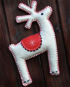 Large Felt Christmas Ornament Reindeer Hanging by MarvelousCottage Christmas Sewing, Kids Christmas, Handmade Christmas, Felt Christmas Decorations, Felt Christmas Ornaments, Felt Crafts, Holiday Crafts, Art Textile, Reno