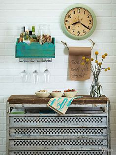 Add personal style to your kitchen with these DIY kitchen decorating ideas for your home. These fun ideas are affordable and will give your home a fun new look with little work.