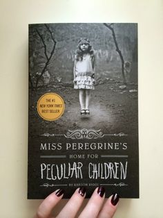 Miss Peregrine's Home for Peculiar Children // YA Fiction