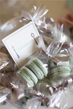 Macarons are such a sweet wedding favor!