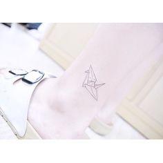 : Paper crane . . #tattooistbanul #tattoo #tattoos #TattooSupplyBell #equillatera #papercrane #cranetattoo #colortattoo  #tattoomagazine  #tattooartist #tattoostagram #tattooart #tattooinkspiration #타투이스트바늘 #타투 #종이학 #라인타투