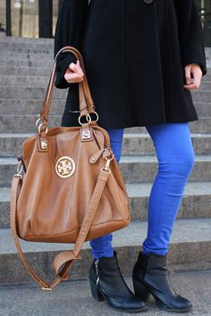 CLR Street Fashion: H & M jeans and shoes, Tory Burch bag. www.calitreview.com/34246