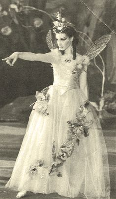 Vivien Leigh as 'Titania, Queen Of The Fairies' - 1937 - A Midsummer Night's Dream - Old Vic Theatre, London