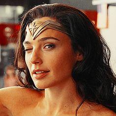 Wonder Woman Art, Gal Gadot Wonder Woman, Wonder Women, Dc Super Hero Girls, Iconic Movies, Iconic Women, Hollywood Actresses, Beautiful Actresses, Celebrity Crush