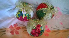 Bolas de isopor Natalina para enfeitar a sua casa, pendurar na Árvore de Natal ou colocar em cesta de palha, enfeitar a mesa no Natal, as caixas de presentes ou que mais a sua criatividade permitir!!