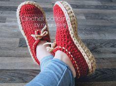 Trendy Crochet Patterns For Women Slippers Men Diy Crochet Slippers, Crochet Slipper Boots, Crochet Slipper Pattern, Crochet Patterns, Crochet Woman, Crochet Gifts, Short Boots, Womens Slippers, Casual Sneakers
