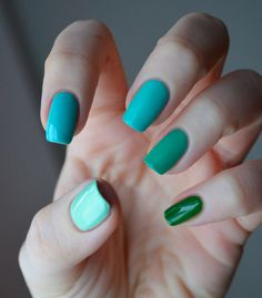 China Glaze greens  Pinkie: Starboard  Ring: Four Leaf Clover  Middle: Aquadelic  Index: For Audrey  Thumb: Re-Fresh Mint