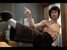 Detailed instruction on every move from Bruce Lee's Martial arts 李小龍 - YouTube
