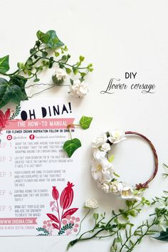 Determining Who Wears Flowers At Wedding For The Best Planning – Bridezilla Flowers Diy Flower Crown, Diy Crown, Floral Crown, Flower Crowns, Simple Flowers, Diy Flowers, Corsage And Boutonniere, Flower Corsage, Bridezilla