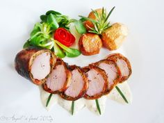 Caprese Salad, I Foods, Bacon, Recipes, Pineapple, Ripped Recipes, Pork Belly, Cooking Recipes, Insalata Caprese