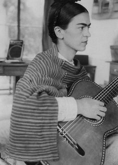 Frida Kahlo and Diego Rivera: 8 Photos of Their Colorful Love Story Diego Rivera, Selma Hayek, Frida E Diego, Mexican Artists, Mode Vintage, Vintage Vibes, Michael Phelps, Belle Photo, Irina Shayk
