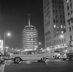 1959 Pontiac Bonneville and Capitol records, Los Angeles, ca. 1960 Photo by Bob van Dam - from Imbued with Hues Old Pictures, Old Photos, Vintage Photos, Vintage Cars, Pin Up, Pontiac Bonneville, San Fernando Valley, Hollywood Boulevard, Capitol Records