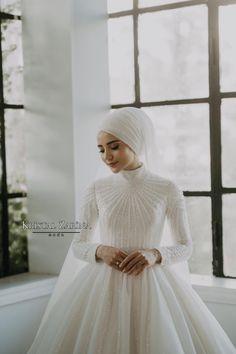 Muslim Wedding Gown, Muslimah Wedding Dress, Hijab Style Dress, Disney Wedding Dresses, Hijab Bride, Muslim Brides, Wedding Hijab, Pakistani Wedding Dresses, Bridal Dresses