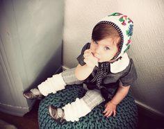 like a little doll - cute leg warmers, shoes, hood...  Petite collection pour Lou * Monsieur Jules