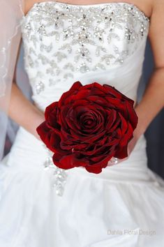 Wedding Bouquet Of Flowers Red Wedding Gallery, Wedding Photos . Rose Bridal Bouquet, Bride Bouquets, Bridal Flowers, Floral Bouquets, Red Rose Wedding, Design Floral, Red Roses, Marie, Inspiration