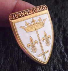 VINTAGE ARMONY CREST OF SAINT JOAN OF ARC SWORD LILY & CROWN ENAMEL BROOCH