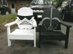 I could vet Vader for my dad. And the Storm Trooper for my mama, she loves Storm Troopers. Star Wars chairs for all the fans out there. Star Wars Room, Star Wars Art, Rustic Furniture, Outdoor Furniture, Furniture Projects, Star Wars Crafts, Star War 3, Cool Stuff, Adirondack Chairs
