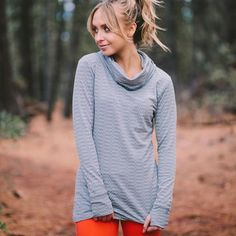 our classic {Summit Cowl Neck Top} is comfortable, sporty & perfect for any occasion! pair it with our high waisted leggings for a cute outfit! | @albionfit