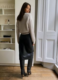 Skirts With Boots, Dress With Boots, Winter Outfits, Casual Outfits, Work Outfits, Faux Leather Skirt, Leather Skirts, Leather Trousers, Petite Fashion