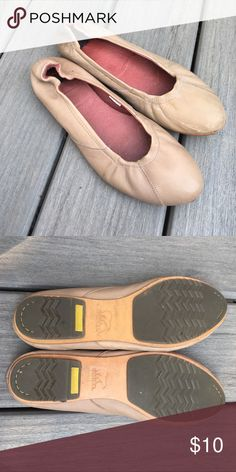 Sorel tan leather flats Sorel tan leather flats Sorel Shoes Flats & Loafers