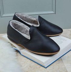 #MensGenuineShearling Slippers #GenuineShearling Slippers #Shearling Slippers Men Dress, Dress Shoes, Shearling Slippers, Loafers Men, Oxford Shoes, Luxury, Fashion, Fuzzy Slippers, Moda