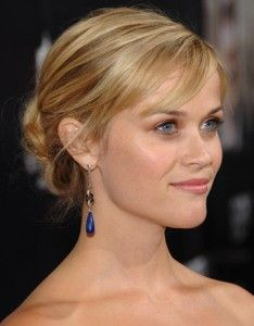 Reese-Witherspoon-hair-updo