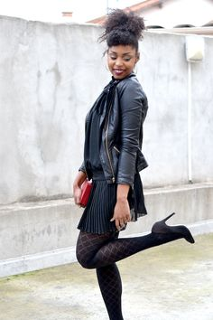 Tenue Lirons d'elle blog #Blogueuse afro #blogueuse #france #natural hair #team natural #mode #look #basic #simple #look #mode#trend#kinky #curly #hair #wash and go #kinky coily #hair #4a #4b #teamnaturalfr #reveillon #hairstyle #inspiration #idee coiffure