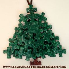 Lisa's Craft Blog: Tutorial: Puzzle Piece Ornaments and snowflakes. . . great for kids too!