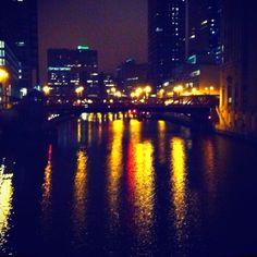 Chicago River / Opera House. Chicago River, Opera House, New York Skyline, Travel, Voyage, Viajes, Traveling, Trips, Tourism