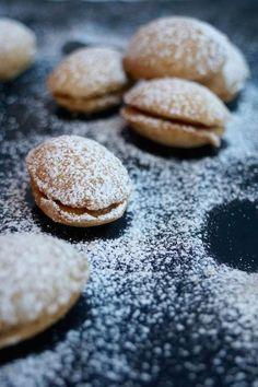 Parhaat lusikkaleivät — Gurmee.net Cookies, Desserts, Food, Crack Crackers, Tailgate Desserts, Deserts, Biscuits, Essen, Postres