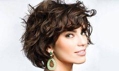 Ele é sensual, fácil de cuidar e moderno. Dois campeões das tesouras, os hair stylists Marco Antonio de Biaggi e Rodrigo Siqueira, ambos do salão M.G Hair, mostram 5 cortes fresquinhos para você mudar o visual e manter o ano inteiro.