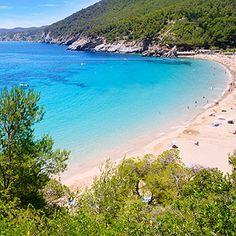 Las Salinas à #Ibiza en Espagne http://selection.readersdigest.ca/voyage/destinations-de-voyage/les-10-plages-les-plus-sexy-du-monde?id=6