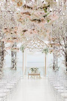 Gorgeous Wedding Ceremony Ideas | Pretty Wedding Aisle Photos | White Wedding Ideas | Spring Wedding Design Ideas | Wedding Ceremonies | Wedding Ceremony Set Up Inspiration