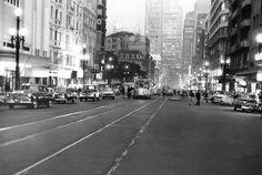 Acervo/Estadão - Avenida São João, no Centro, em 1966, noinício doprocesso de retirada dos veículosda cidade