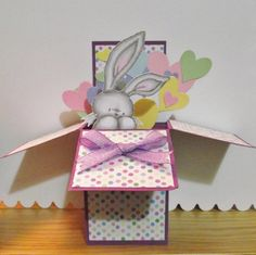 I spotted this great (but easy) tutorial for a pop up box card on Split Coast Stamper… Card In A Box, Pop Up Box Cards, 3d Cards, Paper Cards, Cute Cards, Card Boxes, Fancy Fold Cards, Folded Cards, Boite Explosive