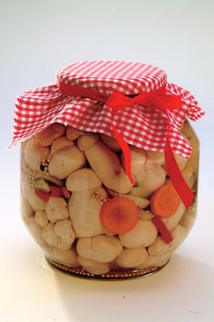 Naložené houby Almond, Food And Drink, Jar, Homemade, Canning, Home Canning, Almond Joy, Jars, Hand Made