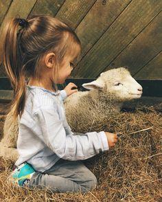 Lovely Nastya & Lamp ⛅️ The Agrodome Farm - Rotorua, New Zealand _May 1 - 2016.