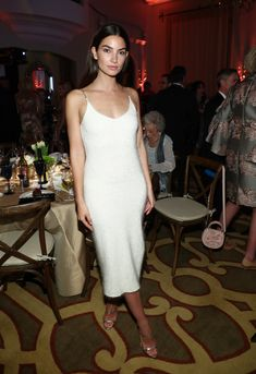 Best Dressed: April 2018 - Lily Aldridge in Phillip Lim and Giuseppe Zannotti shoes - Celebrity Shoes, Celebrity Dresses, Celebrity Style, Oval Face Hairstyles, Curvy Petite Fashion, Lily Aldridge, Kendall Jenner Outfits, Cute Summer Outfits, Red Carpet Looks